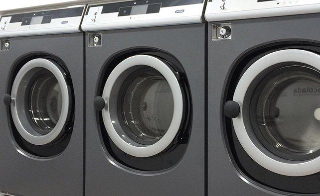 Principales ventajas del lavado en agua para cuidar tu ropa