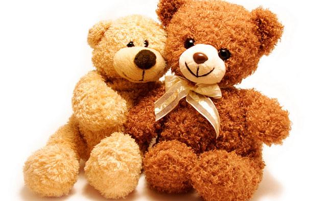 Lavar osos de peluche y juguetes en la lavadora